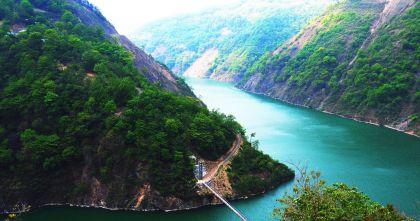 房地产从蓄水池演变成中国最大的堰塞湖