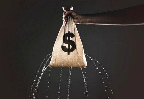 2016年百亿级P2P平台接连倒下 投资者的血汗钱都去哪了 - 金评媒