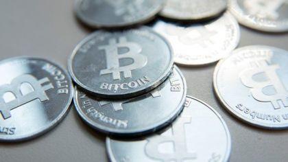 比特币背叛比特币:一会儿跌一会儿涨,避什么险?