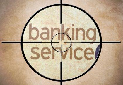 开门红期间紧急停售投资型财险 银行称会将新收保费退给客户