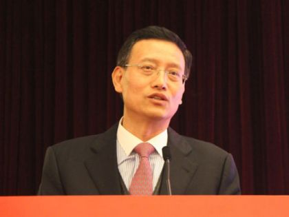 人保集团总裁王银成接受调查
