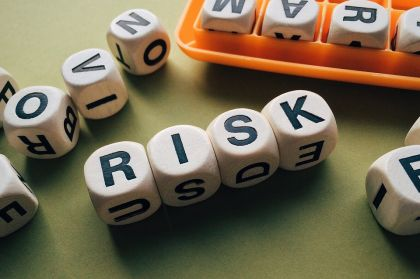 银监会严控风险,互金行业合规获指引