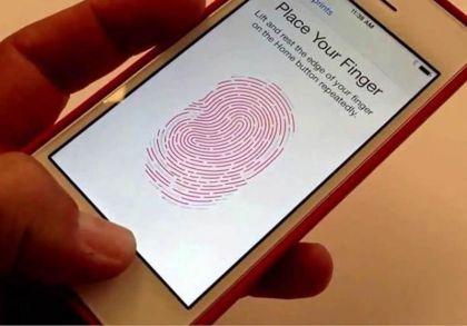 拿同事手机偷偷改指纹支付 男子转走2.1万被判刑