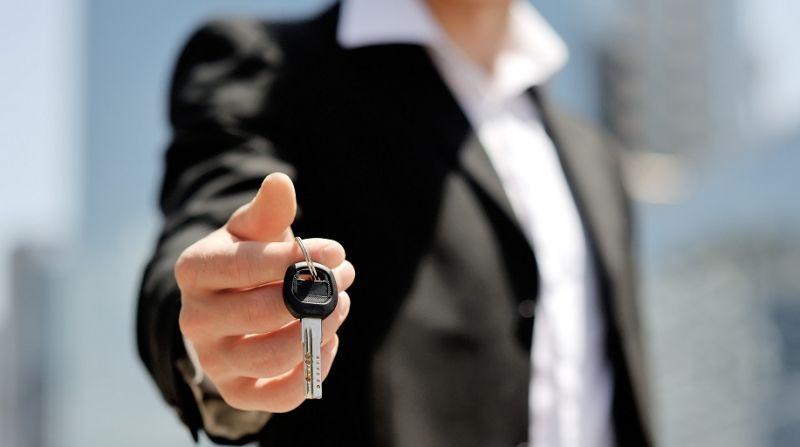 金融分期致二手车交易量飙升 三四线城市购买力被激发 - 金评媒