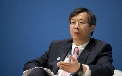 央行副行长易纲:凡是搞金融的都要持牌经营