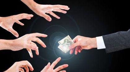 """现金贷""""利滚利""""超过高利贷,如何避免""""人死债消""""的困境?"""