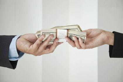 互金公司为啥敢把钱借给没有征信记录的穷人?