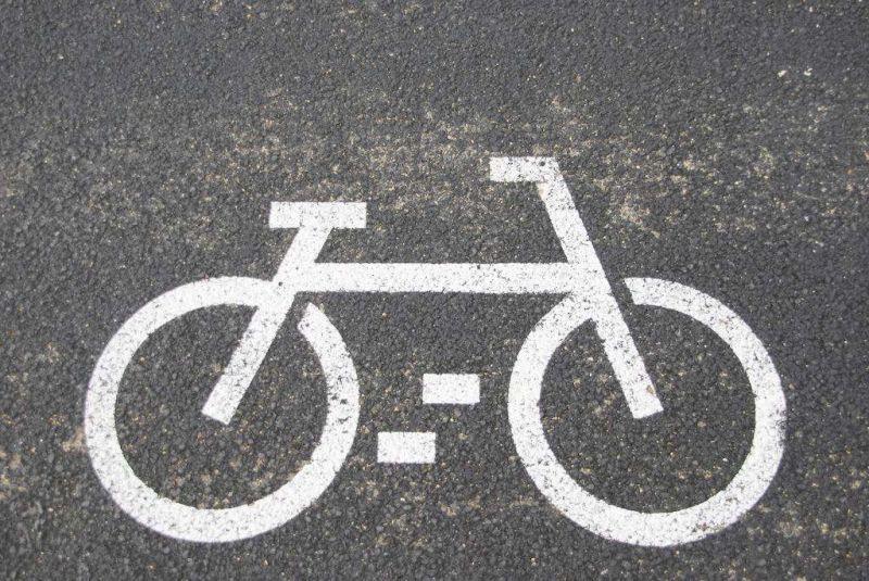 """漩涡之下,共享单车如何才能成为""""弄潮儿""""? - 金评媒"""