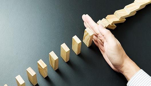 """上市公司""""护盘""""时:400余股跌幅逾20% """"兜底式""""增持重现 - 金评媒"""