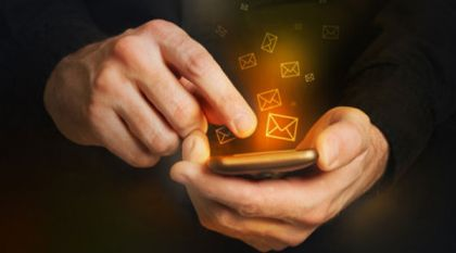 """手机银行用户比例""""追上""""网银 移动支付趋势持续深化"""