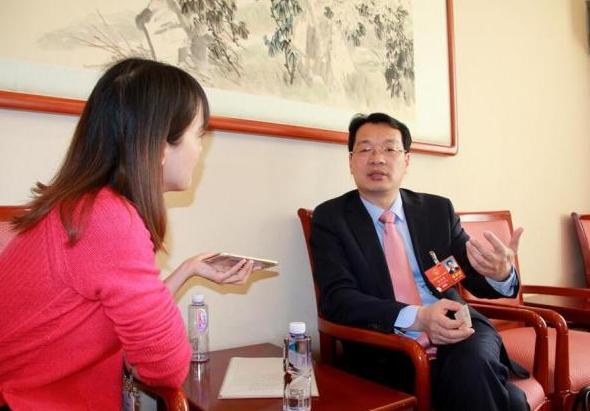 湖北银监局局长:出台反高利贷法已是时候 - 金评媒