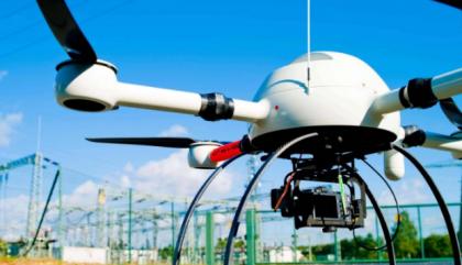 """无人机要建好""""航线"""",还需要哪些条件?"""
