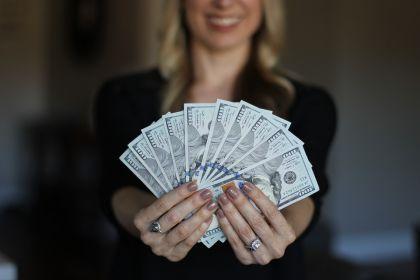 教你三种有效的赚钱方式,你也可以给自己加薪