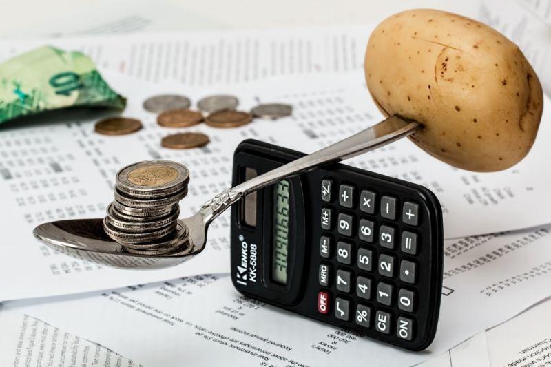 第三方财富频现风险 产品集中爆雷募资额大降 - 金评媒