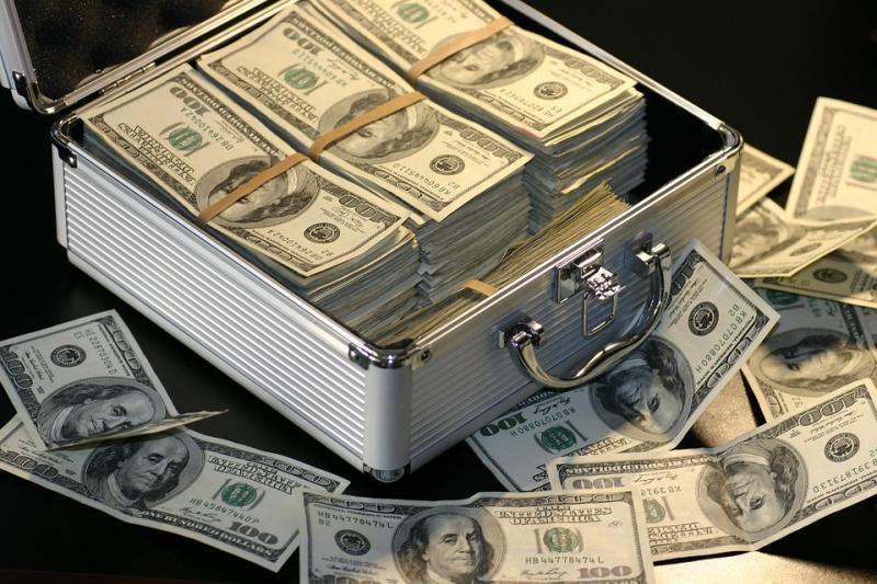 P2P网贷信心崩塌资金如潮流出:平台倒闭了也要还钱 - 金评媒