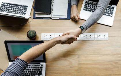 网贷爆雷潮波及合作商