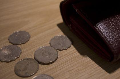 金管局再度入市捍卫港币,人民币会否面临危机?