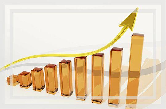 51信用卡上市后首份中报发布 营收和净利润双双大增约五成 - 金评媒