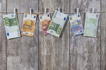 互金行业全面纳入反洗钱监控