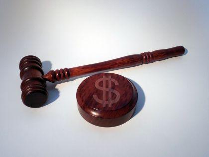 """柏万青""""被代言""""P2P理财案一审宣判"""