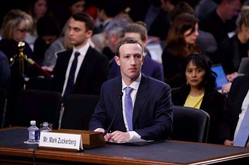 Facebook危局,扎克伯格去留两难 - 金评媒