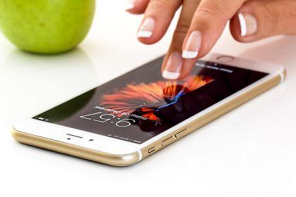 苹果手机大甩卖 新品iPhone最高直降 1500 元