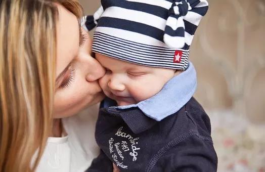 美国试管婴儿:你知道保健品叶酸和药品叶酸含量、价格的区别吗?HRC美中桥告诉你