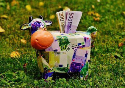 7月份P2P年化收益独增至9.31% 银行基金信托收益全下滑