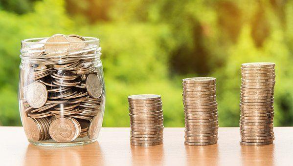 机构预测9月金融数据 新增信贷或升至1.4万亿左右 - 金评媒