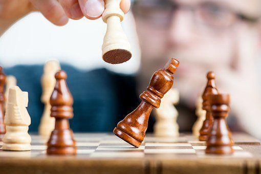 負利率沖擊波:全球銀行業裁員逾7萬人,86%來自歐洲  - 金評媒