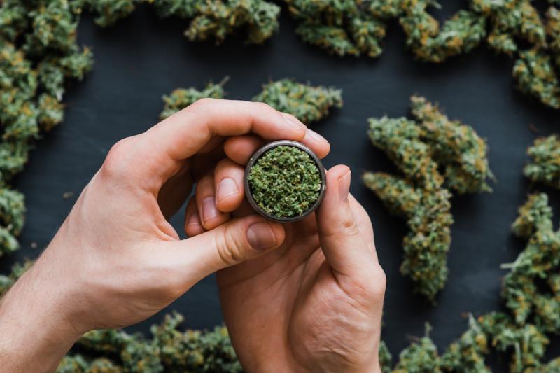 大麻公司据传不包括在经济刺激法案中 - 金评媒